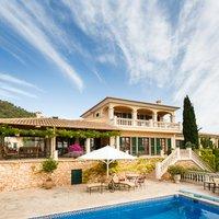 Traditionele Spaanse villa met zwembad in Spanje